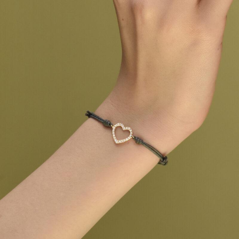 Bracciale cordino con cuore a filo e diamanti bianchi, ct. 0,16